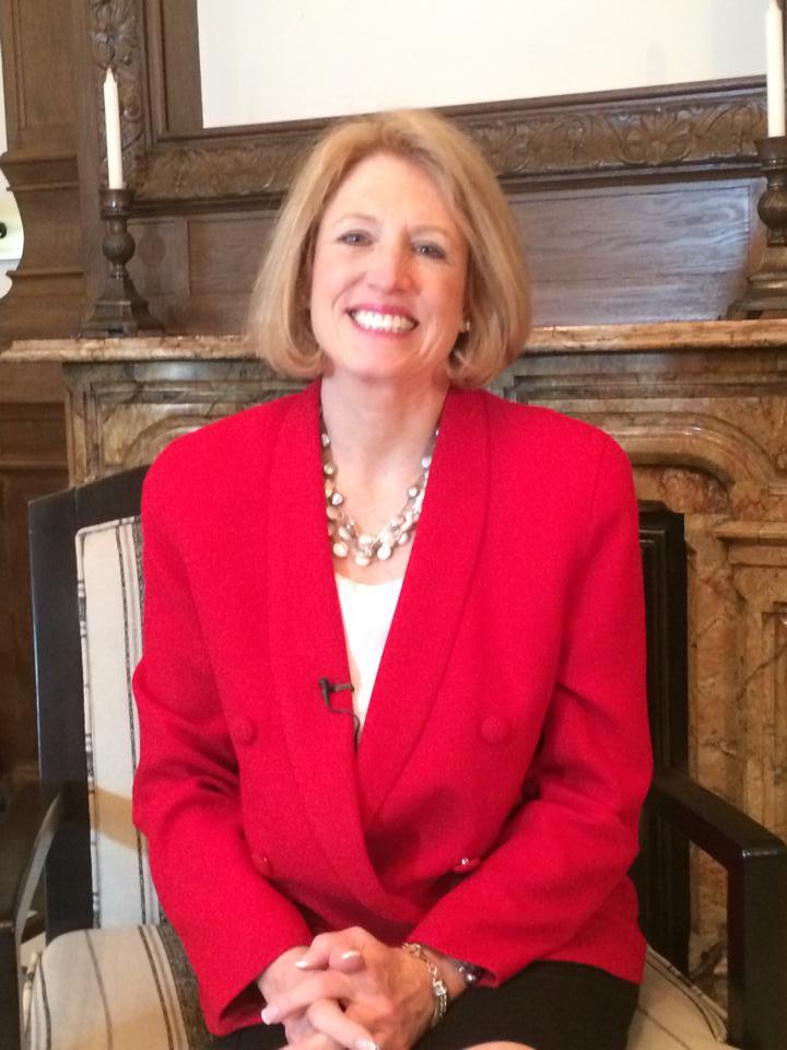 Comptroller Leslie Munger, in her Capitol Office, 2015